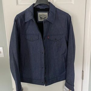 Levi soft water resistant trucker jacket small